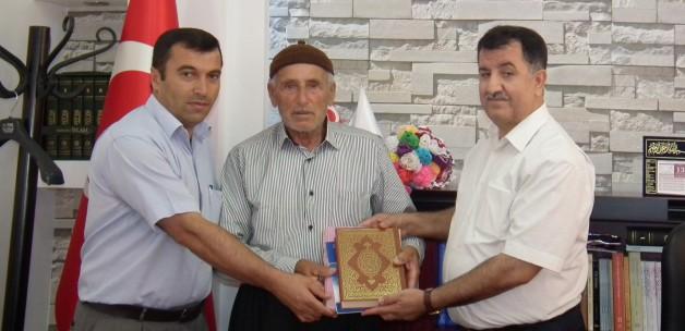 78 yaşında Kuran'ı Kerim öğrendi