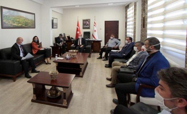Başbakan Tatar, bazı özel sektör temsilcilerini kabul etti