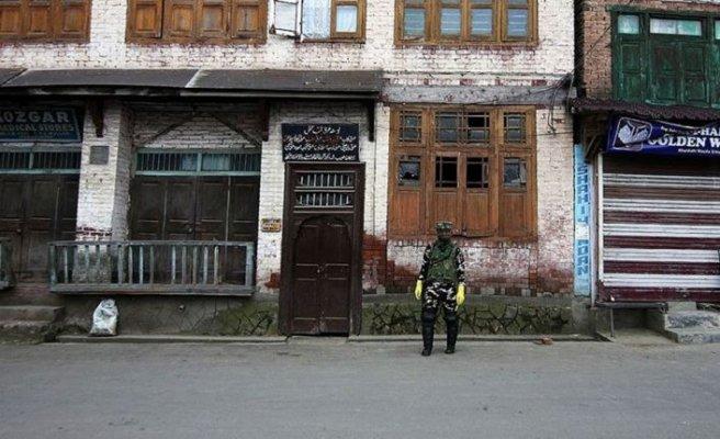 Hindistan'da sokağa çıkma yasağı 2 hafta uzatıldı
