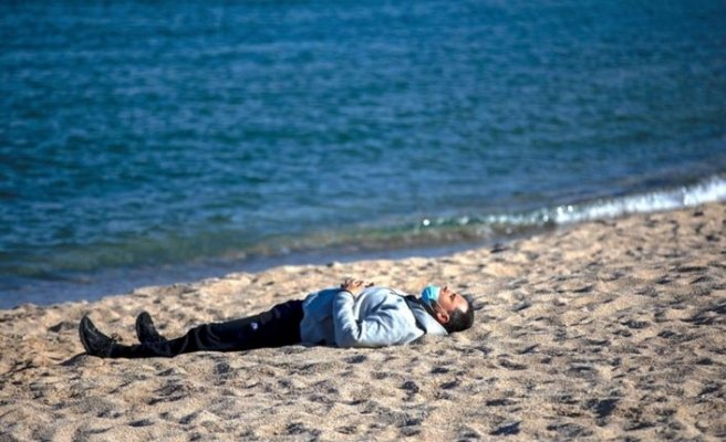Koronavirüs, deniz ve havuzdan bulaşır mı?