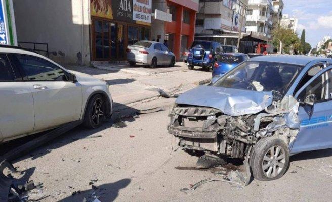 Lefkoşa Yenişehir ışıklarında kaza!