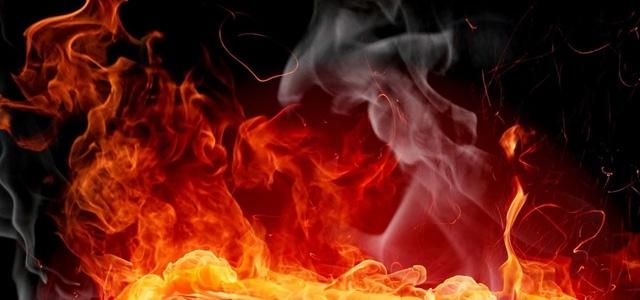 Elektrik Tellerinin Birbirine Teması Sonucu Yangın Çıktı