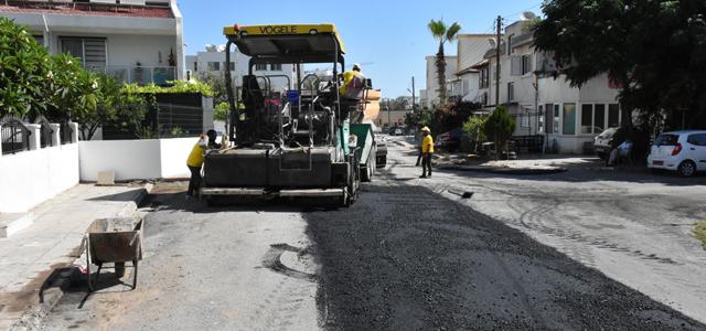 Girne Belediyesi Asfaltlama Çalışmalarına Devam Ediyor