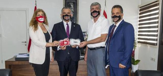 KİKEV Özel Eğitim Kurumlarına 'Şeffaf Maske' Bağışladı
