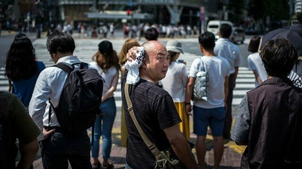 TOKYO'DA SICAKLARDAN 27 KİŞİ HAYATINI KAYBETTİ