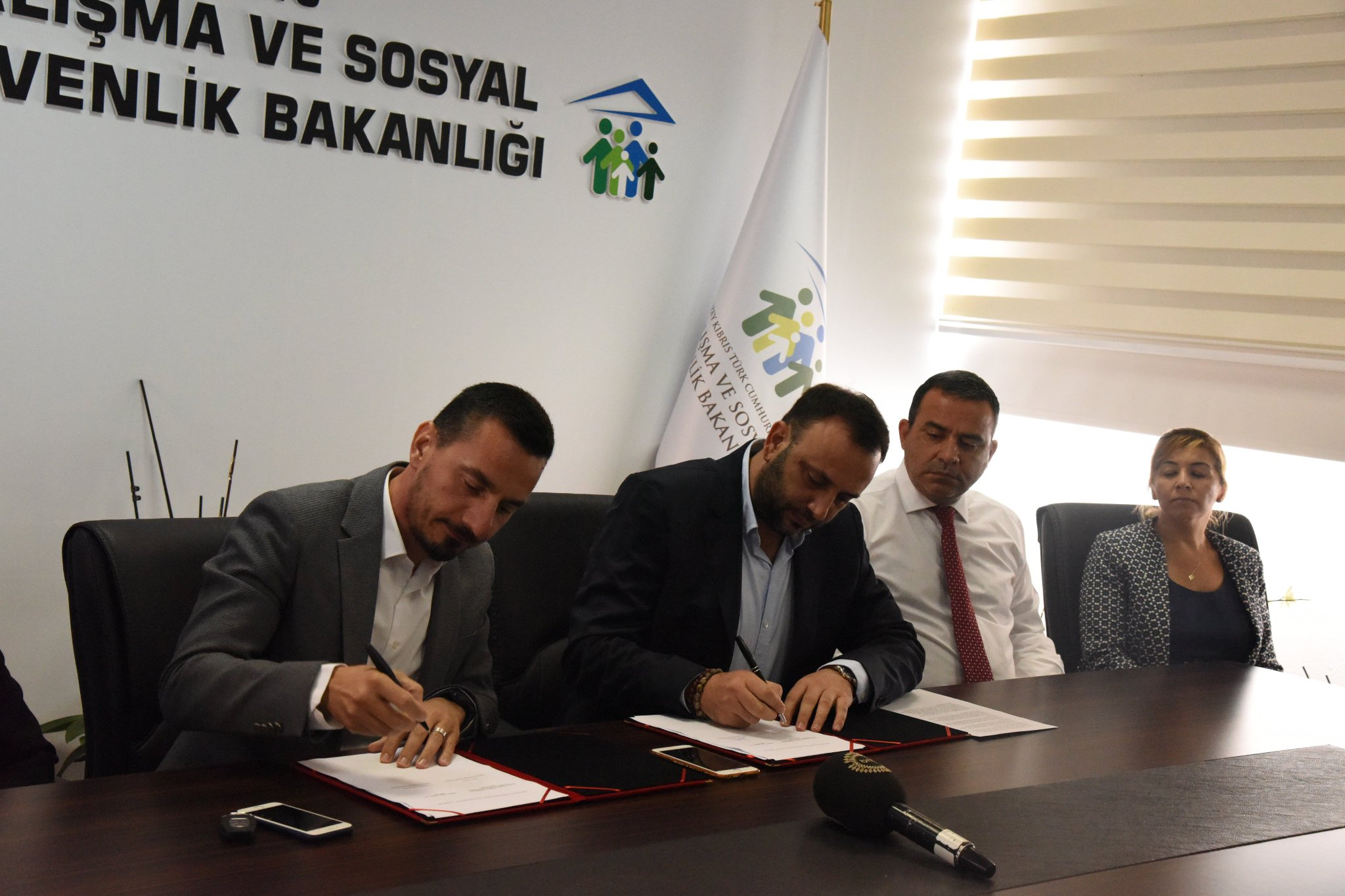 Çalışma Bakanlığı ile üniversitelerin bir araya gelmesini 'Kadına Yönelik Şiddetle Mücadelede İşbirliği Protokolü' sağladı