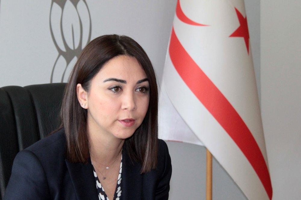 Ayşegül Baybars yaptığı açıklamada, Görevini yerine getirmeye devam edeceğini söyledi