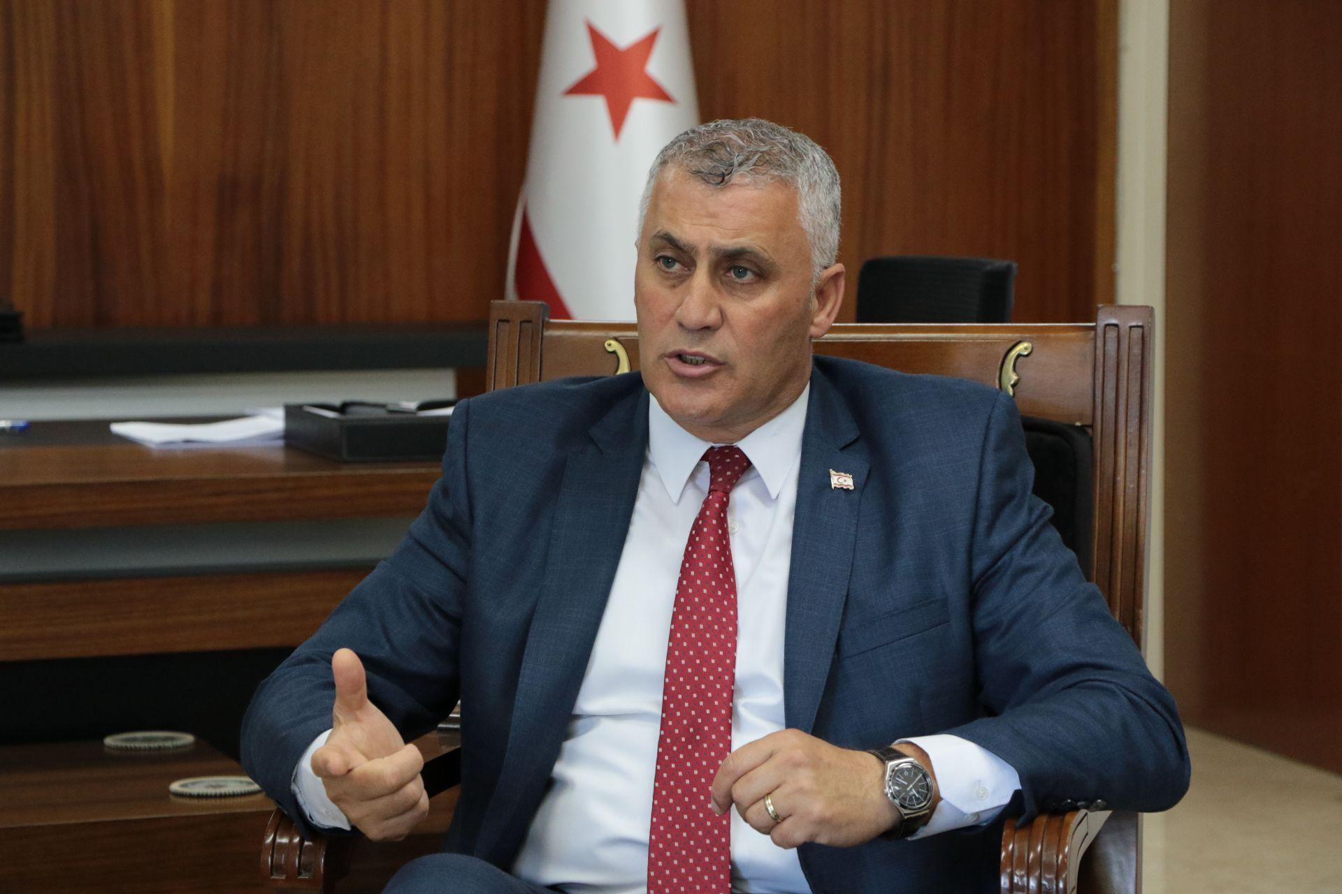 Maliye Bakanı Amcaoğlu , mağusa Belediyesi'nin usulsüz avans aldığı iddialarının asılsız olduğunu söyledi