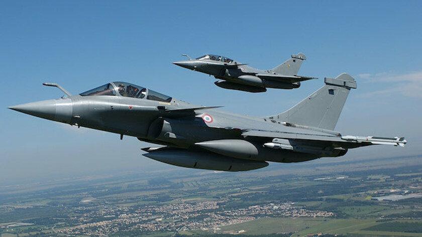 MEB üzerinden Fransız savaş uçakları geçti