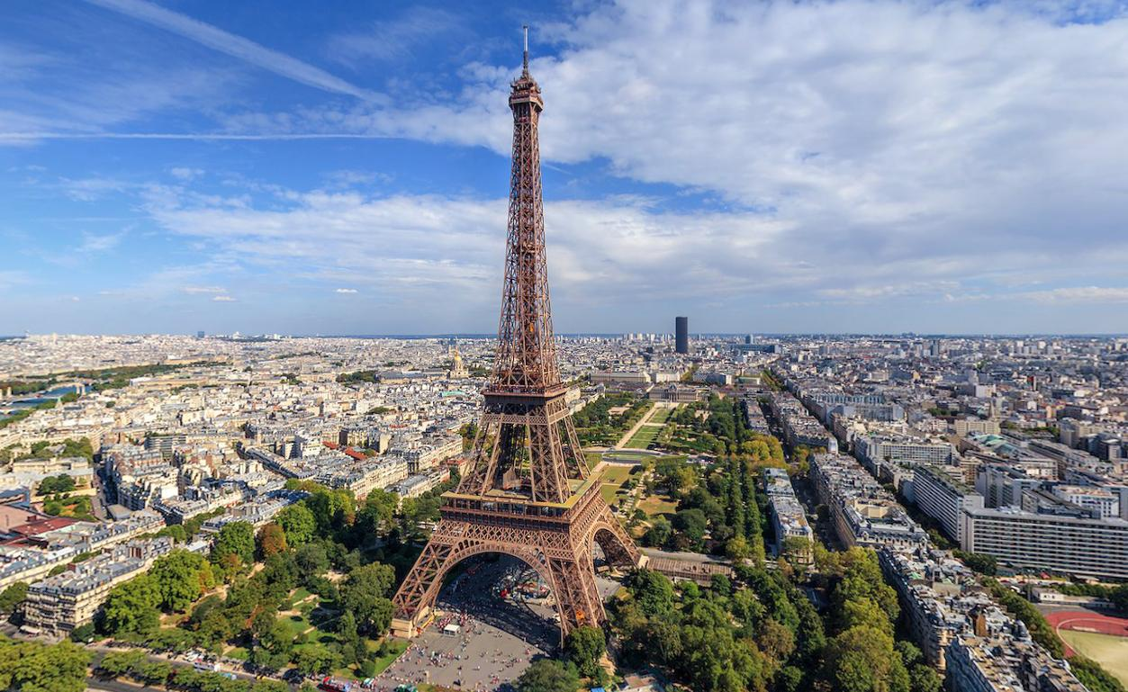 Paris'te sokağa çıkma yasağı!